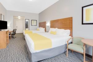 Double Room with King Beds - Non-Smoking