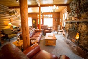 Paradise Lodge and Bungalows - Lake Louise