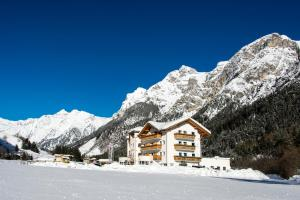 Hotel Alpin, Hotels  Colle Isarco - big - 1
