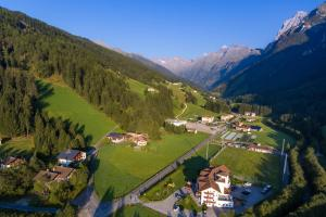 Hotel Alpin, Hotels  Colle Isarco - big - 36
