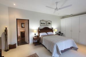64 Ocean Drive Guesthouse, Гостевые дома  Баллито - big - 8