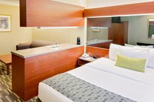 Suite con cama grande y sofá cama - No fumadores