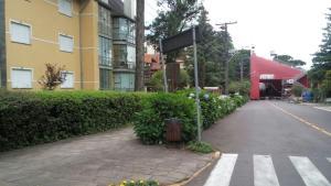 Apartamento 01 dormitório no Centro de Gramado, Апартаменты  Грамаду - big - 11