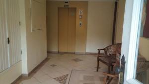 Apartamento 01 dormitório no Centro de Gramado, Апартаменты  Грамаду - big - 21