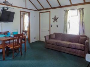 One Bedroom Cottage E