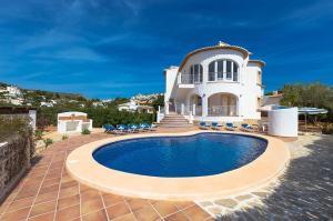 Villa Blake, Villen  Moraira - big - 1