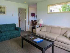 One Bedroom Cottage J