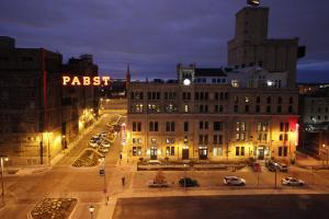 The Brewhouse Inn and Suites - Milwaukee