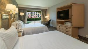 Deluxe Double Room with Two Double Beds and Pool Access
