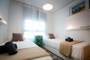 Holidays2Malaga City Beach, Apartments  Málaga - big - 16