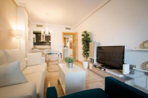 Holidays2Malaga City Beach, Apartments  Málaga - big - 8