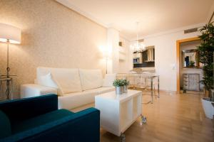 Holidays2Malaga City Beach, Apartments  Málaga - big - 6