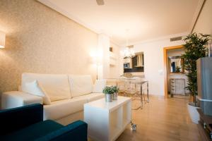 Holidays2Malaga City Beach, Apartmány  Málaga - big - 4
