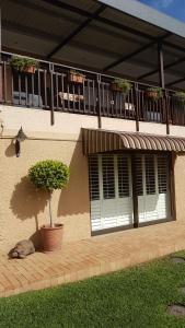 64 Ocean Drive Guesthouse, Гостевые дома  Баллито - big - 17