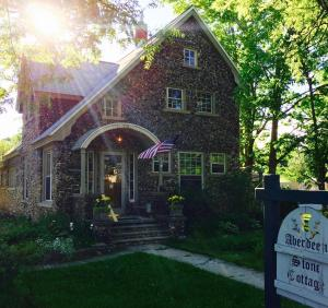 Aberdeen Stone Cottage B&B, Bed and Breakfasts  Traverse City - big - 23