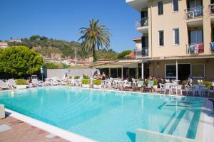 Hotel Delle Mimose - AbcAlberghi.com
