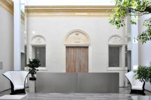 Hotel Romano House - AbcAlberghi.com