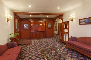 Clarkes Hotel, Szállodák  Simlá - big - 24