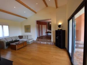Villa - Chiroubles, Villas  Chiroubles - big - 7