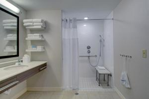 Hampton Inn Boston - Westborough, Szállodák  Westborough - big - 10