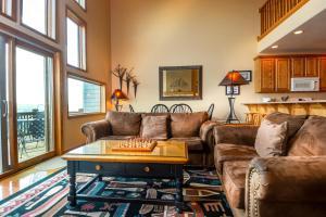 Amazing Overlook Three-Bedroom Townhome, Дома для отпуска  McHenry - big - 16