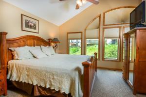 Amazing Overlook Three-Bedroom Townhome, Дома для отпуска  McHenry - big - 9