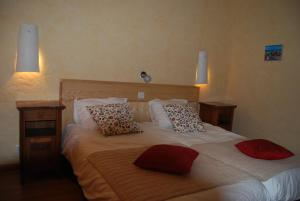 Le Jardin de la Sals (Ecluse au Soleil), Bed & Breakfasts  Sougraigne - big - 18