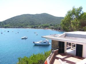 Villa Acquamarina - AbcAlberghi.com
