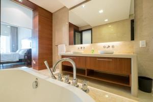 Home-Suites in Straits Quay, Penang, Apartmanok  Tanjung Bungah - big - 55