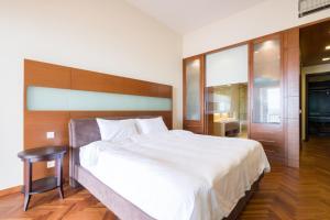 Home-Suites in Straits Quay, Penang, Апартаменты  Танджунг-Бунга - big - 51