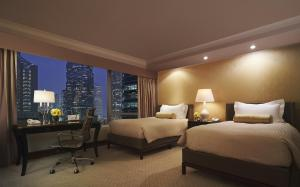 Deluxe Twin Room with Peak View