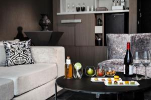 SO Lofty King Suite with Panoramic Park or City View (2 Adults)