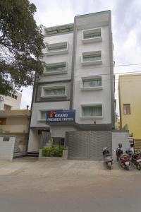 Treebo Grand Premier Suites, Hotely  Bangalore - big - 55