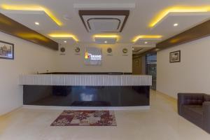 Treebo Grand Premier Suites, Hotely  Bangalore - big - 56