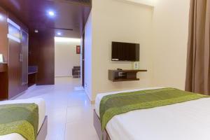 Treebo Grand Premier Suites, Hotely  Bangalore - big - 10