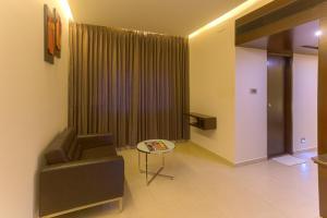 Treebo Grand Premier Suites, Hotely  Bangalore - big - 16
