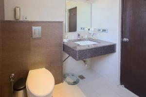 Treebo Grand Premier Suites, Hotely  Bangalore - big - 17