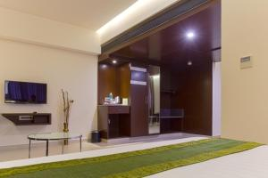 Treebo Grand Premier Suites, Hotels  Bangalore - big - 19