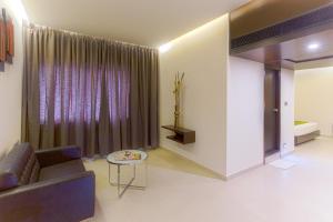 Treebo Grand Premier Suites, Hotely  Bangalore - big - 25