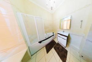 Hotrent Apartments Shevchenko, Apartments  Kiev - big - 4