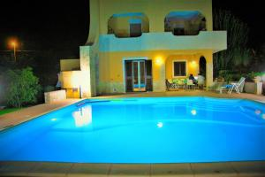 Happy Holiday Villa - AbcAlberghi.com