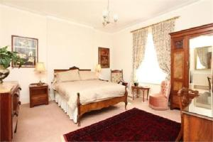 Badger Towers, Bed and Breakfasts  Cheltenham - big - 5