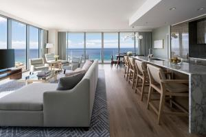 The Ritz-Carlton Residences Waikiki Beach (7 of 39)