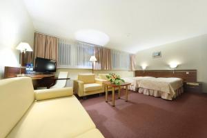 Hotel Bukowy Dworek Geovita, Отели  Лагув - big - 11