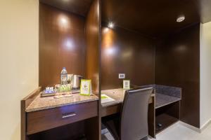 Treebo Grand Premier Suites, Hotely  Bangalore - big - 31