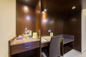 Treebo Grand Premier Suites, Hotels  Bangalore - big - 31