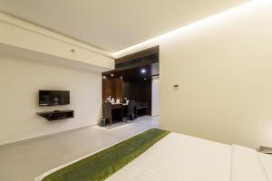 Treebo Grand Premier Suites, Hotely  Bangalore - big - 35