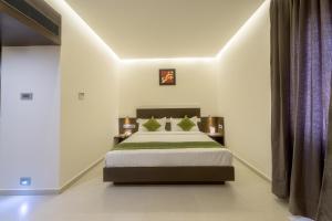 Treebo Grand Premier Suites, Hotely  Bangalore - big - 38