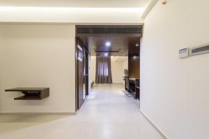 Treebo Grand Premier Suites, Hotely  Bangalore - big - 43