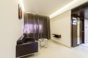Treebo Grand Premier Suites, Hotely  Bangalore - big - 44